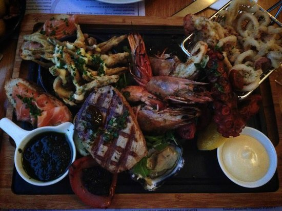 The Old Library: Seafood platter