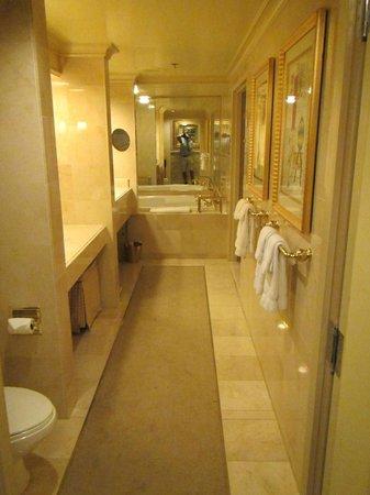 Treasure Island - TI Hotel & Casino : Bathroom #3 with hot tub