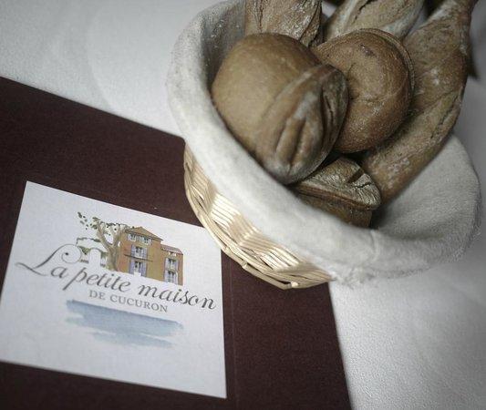 La petite maison de Cucuron : Bread