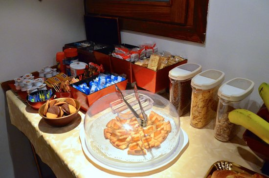 Lanterna di Marco Polo: Breakfast Spread