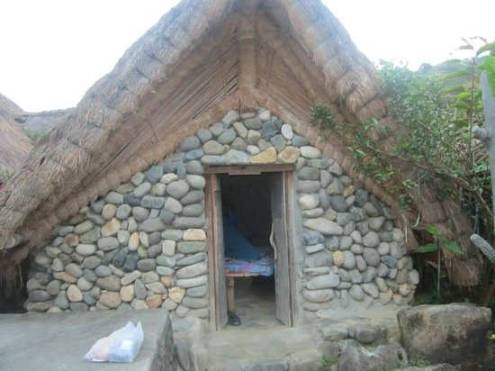 Bontoc, Filippinene: Our Nipa House for a Night