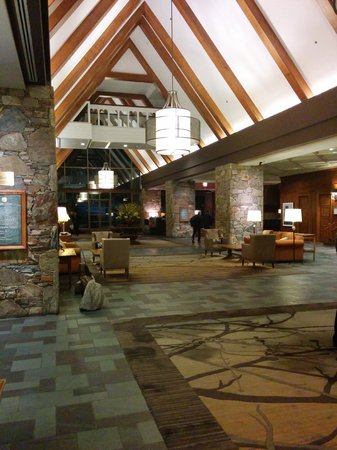Fairmont Chateau Whistler Resort: Main Lobby