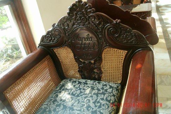 The Manila Hotel: Chair in Lobby