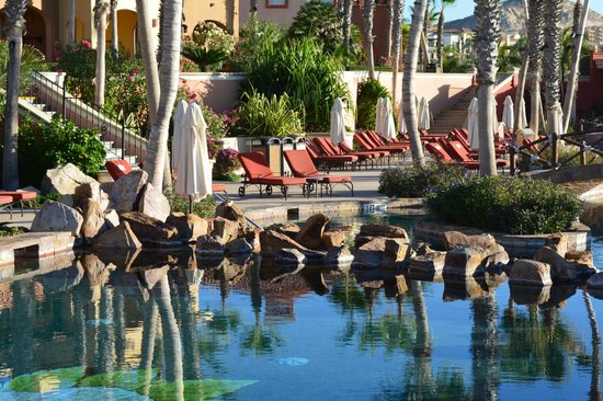 Hacienda del Mar Los Cabos : One of the ocean front pools