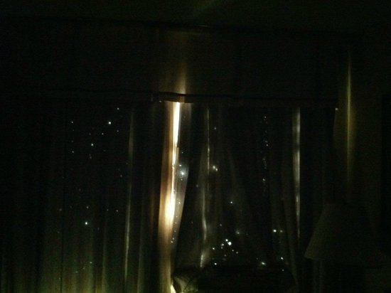 Ramada Denver Downtown: Our curtains as if a constellation!