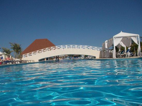 Luxury Bahia Principe Runaway Bay Don Pablo Collection: pool