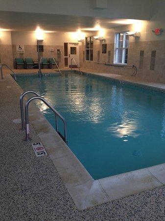 Residence Inn Springfield Chicopee: pool!