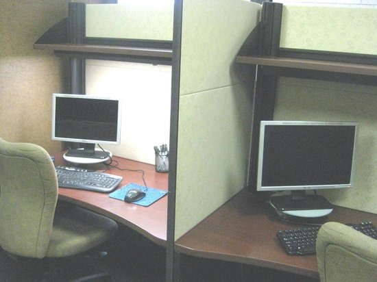 Holiday Inn Express & Suites: Computer room