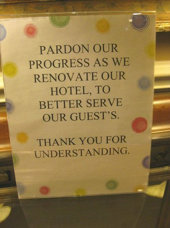 Holiday Inn Express & Suites : Sign about transition