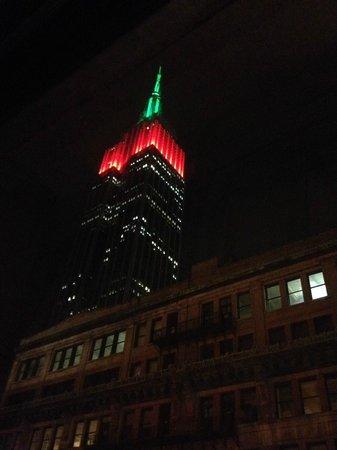 Hampton Inn Manhattan-35th St/Empire State Bldg : Vista del Empire desde el piso 9