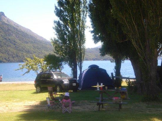 Los Baqueanos: Se acampa al lado del lago