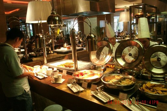 Cafe Ilang-Ilang: Some of the hot breakfast choices