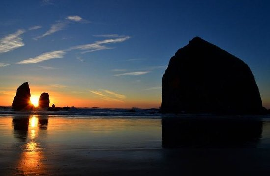 The Waves: Haystack rock and the Needles