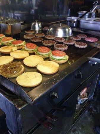 Porky's Bar-B-Q: BURGERS!!!