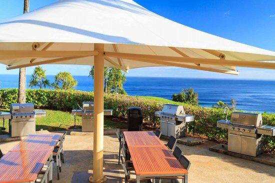 The Westin Princeville Ocean Resort Villas: Grilling by the ocean