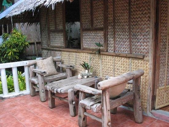 Diniwid Beach Resort: Bungalow with Fan - Camia A