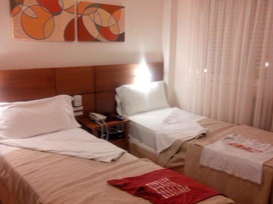 Hotel Selent: habitacion de los nenes