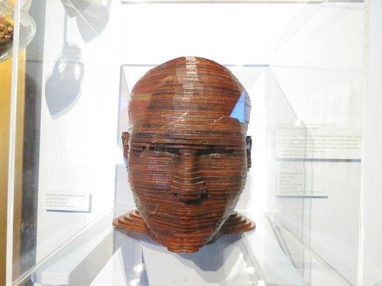 Mizel Museum: wooden sculpture: Head Study No 8 by Itmar Jobani
