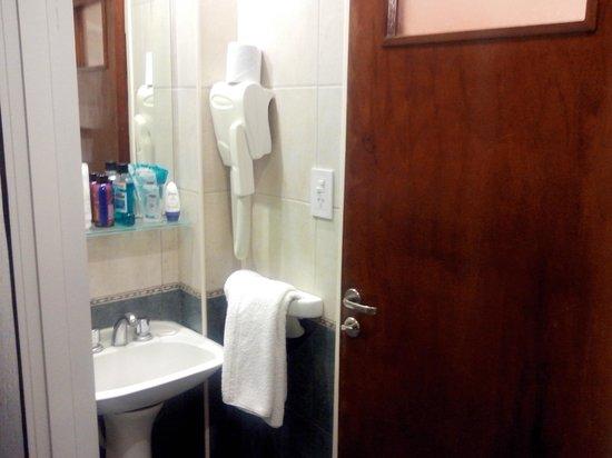 Hotel Selent: baño de la habitacion