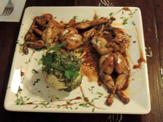 El Aljibe de San Pedro: Frog Legs - Divine!