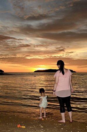 Shangri-La's Tanjung Aru Resort & Spa : Sunset at Shangri-La beach
