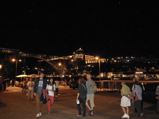 Pestana Porto Hotel: Porto a noite