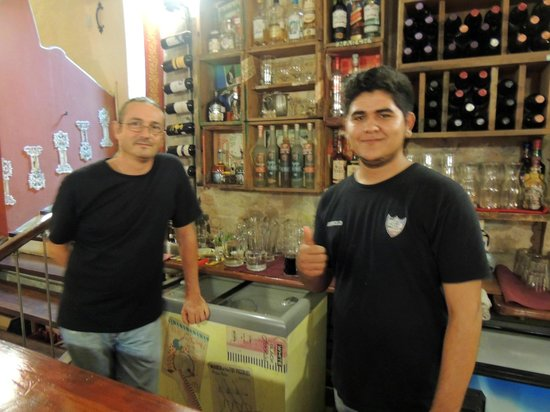 El Aljibe de San Pedro: Owner Jose and our Waiter