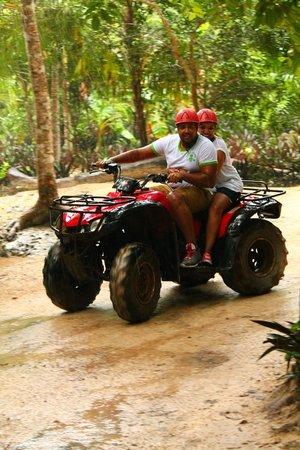 Boca Del Puma Eco-Park : it was so slippery that the brakes didnt work but fun