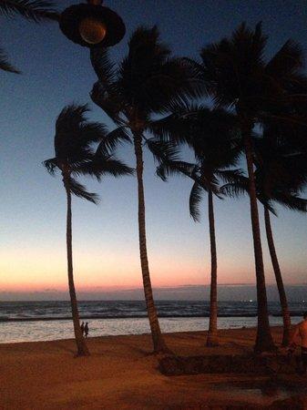 Park Shore Waikiki: Sunset across the street.