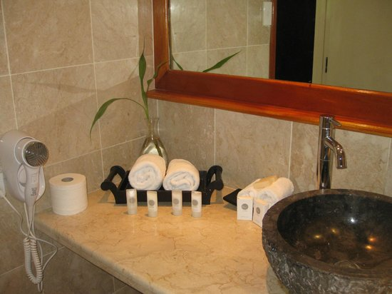 The Pearl Resort: Bathroom