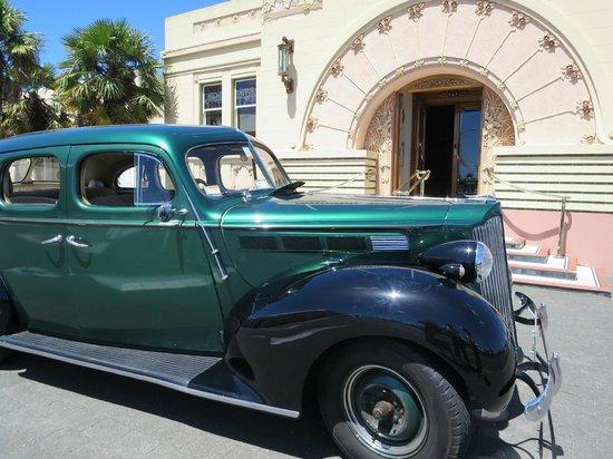 Packard Promenades: where art deco meets art nouveau