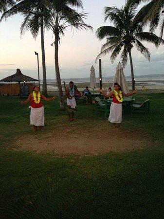 Club Fiji Resort: entertainment