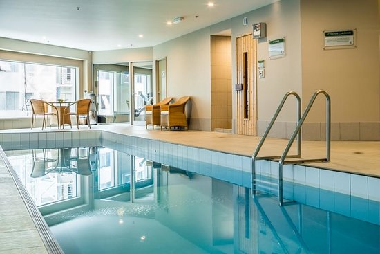 Bolton Hotel Wellington: Indoor heated lap Pool
