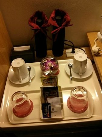 Hanoi Elegance Ruby: Complimentary water bottles, tea and coffee