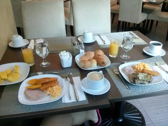 Clarion Victoria Hotel and Suites Panama: Desayuno rico, uno de los 8 desayunos ricos!!!