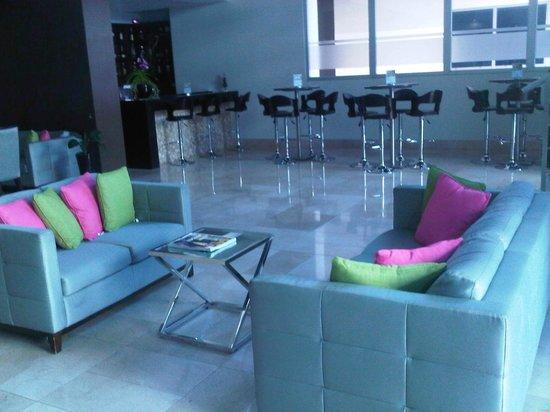 Clarion Victoria Hotel and Suites Panama: Área de entretenimiento