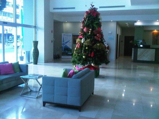 Clarion Victoria Hotel and Suites Panama: Decoración Navideña, Recepción del hotel