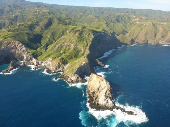 Blue Hawaiian Helicopter Tours - Maui : looking down