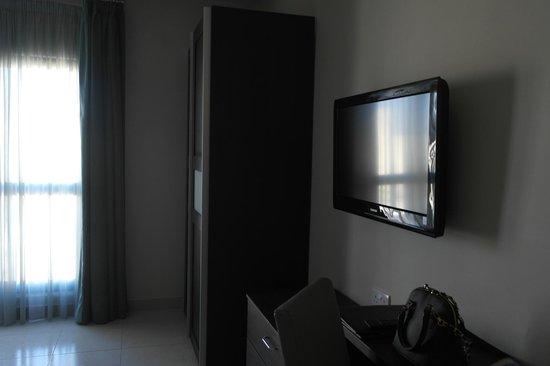 Argento Hotel : Nice room with flatscreen tv