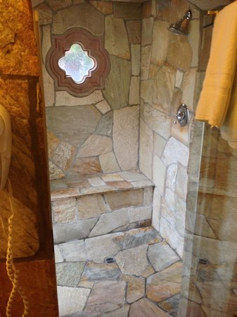 The Andalusian Court: Villa 3 shower