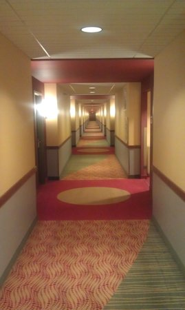 Jumers Casino Hotel: Jumers Hotel, hallway to rooms