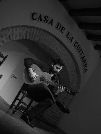 Casa de la Guitarra: o músico