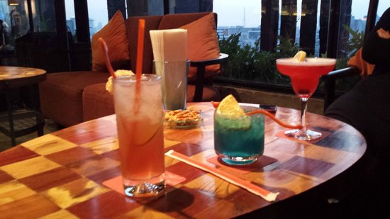 Siam@Siam Design Hotel Bangkok: Happy Hour Drinks at Bar Eleven