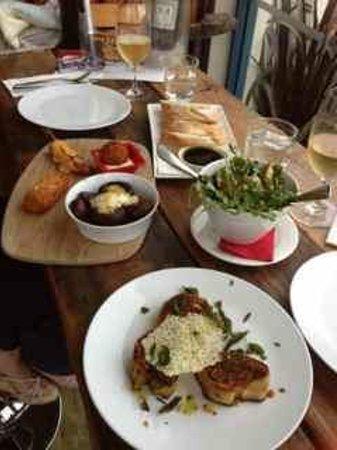 Salsa Tapas Wine Bar Cafe: Tapas selection