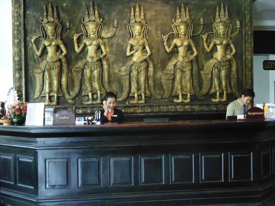 Lucky Angkor Hotel: ресепшен