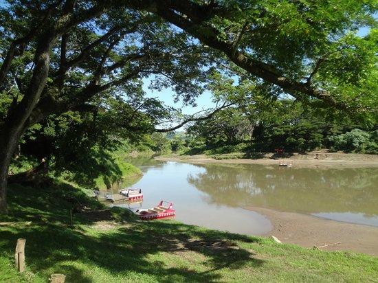 Sigatoka River Safari: Wating to board