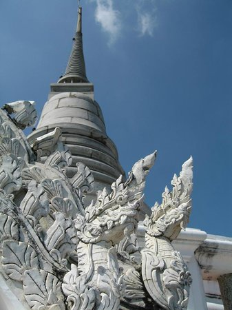 Khao Wang (Phra Nakhon Khiri Historical Park): обезьяна у Phra Nakhon Khir