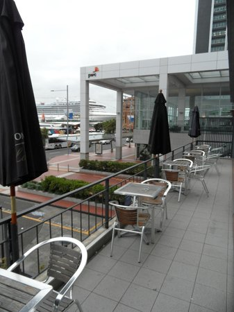 Copthorne Hotel Auckland HarbourCity: Outdoor dining