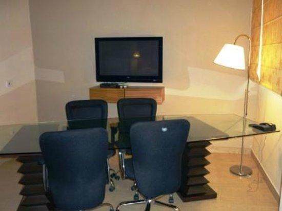 Gem 92 : Conference Room