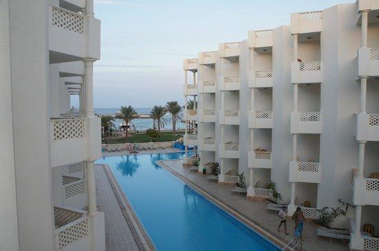 Golden 5 Emerald Resort: вид из отеля